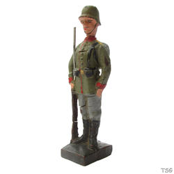 Lineol Infantry soldier standing at attention, rifle up