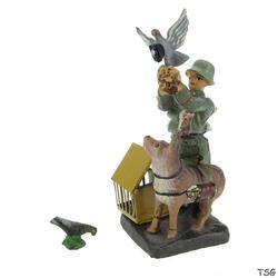 Elastolin Signals soldier standing, with carrier pigeon