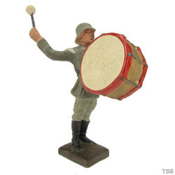 Lineol Drummer with big drum standing